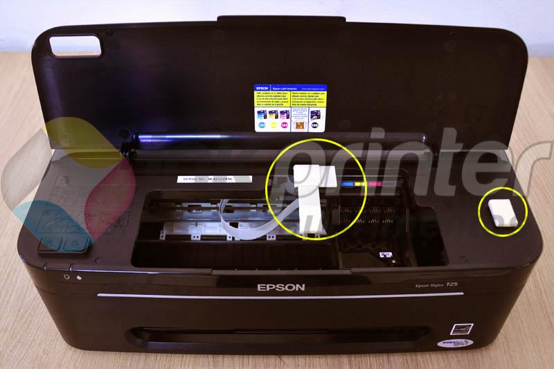 Colando peças auxiliares do bulk ink na impressora Epson T25
