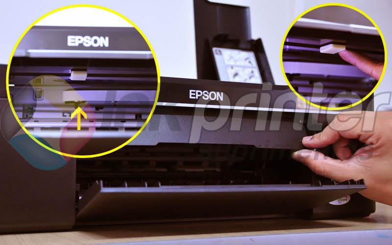Colando Peça Auxiliar do Bulk Ink na Impressora Epson TX 125